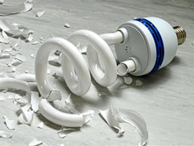 Wie wechsle ich eine Kompaktleuchtstofflampe richtig?