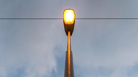 Natriumdampf-Entladungslampe als Straßenbeleuchtung